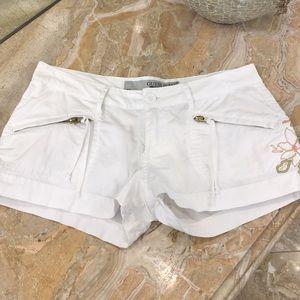 NWOT Guess white shorts